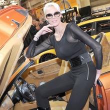 2010-Essen-Motor-Show-Babes-12