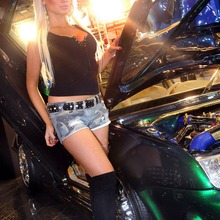 2010-Essen-Motor-Show-Babes-23