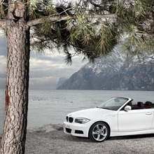 2011-BMW-Series-1-Coupe-Convertible-17