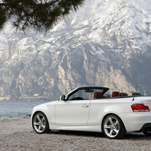 2011-BMW-Series-1-Coupe-Convertible-18