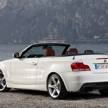2011-BMW-Series-1-Coupe-Convertible-19