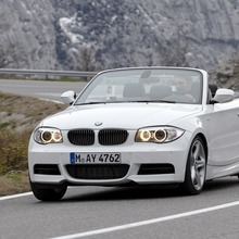 2011-BMW-Series-1-Coupe-Convertible-23