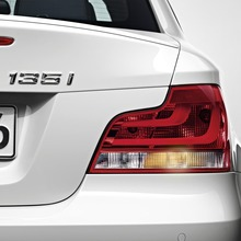 2011-BMW-Series-1-Coupe-Convertible-43