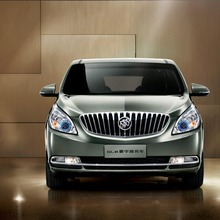 2011-Buick-GL8-05