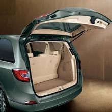 2011-Buick-GL8-12