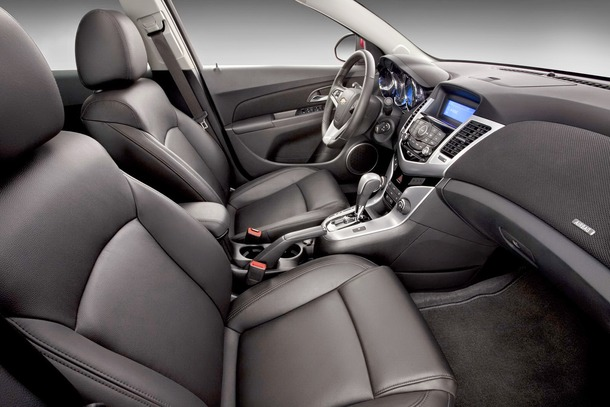 2011-chevy-cruze-rs-9