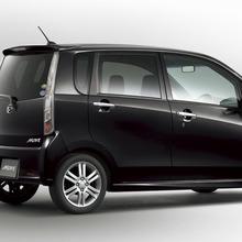 2011-Daihatsu-Move-22