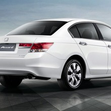 2011-Honda-Accord-Thailand-02