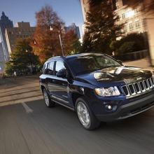 2011-Jeep-Compass-02