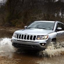 2011-Jeep-Compass-04