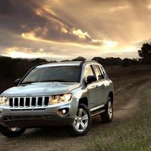 2011-Jeep-Compass-14