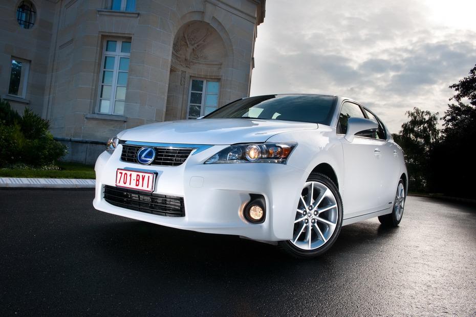 2011-Lexus-CT-200h
