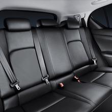 2011-Lexus-CT-200h-23