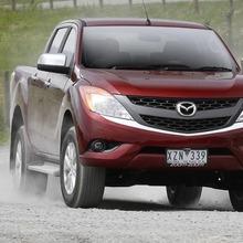 2011-Mazda-BT-50-2-04