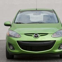 2011-Mazda2-12