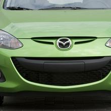 2011-Mazda2-17