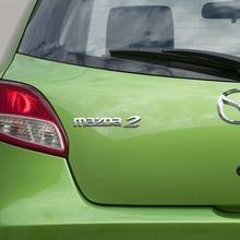 2011-Mazda2-18