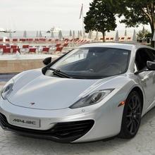 2010-McLaren-MP4-12C-03
