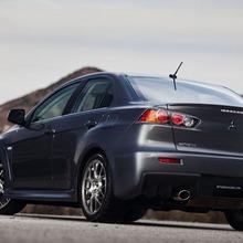 2011-Mitsubishi-Lancer-EVO-MR-06
