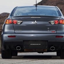 2011-Mitsubishi-Lancer-EVO-MR-08