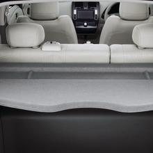 2011-Nissan-LEAF-Japan-04