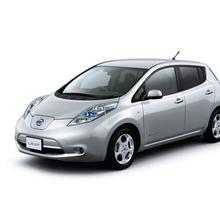 2011-Nissan-LEAF-Japan-07