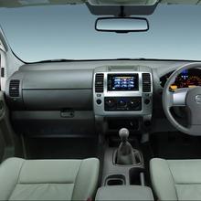 2011-Nissan-Navara-4x4
