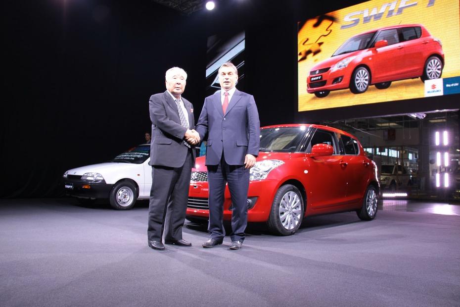 2011-Suzuki-Swift-3