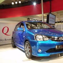 2011-Toyota-Etios-Liva-01