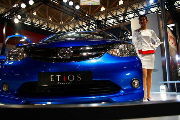 2011-Toyota-Etios-Liva-02