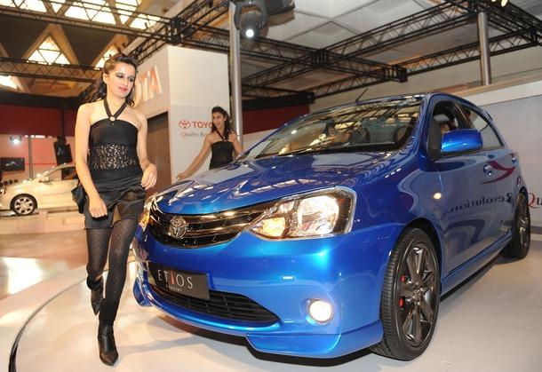 2011-Toyota-Etios-Liva-05