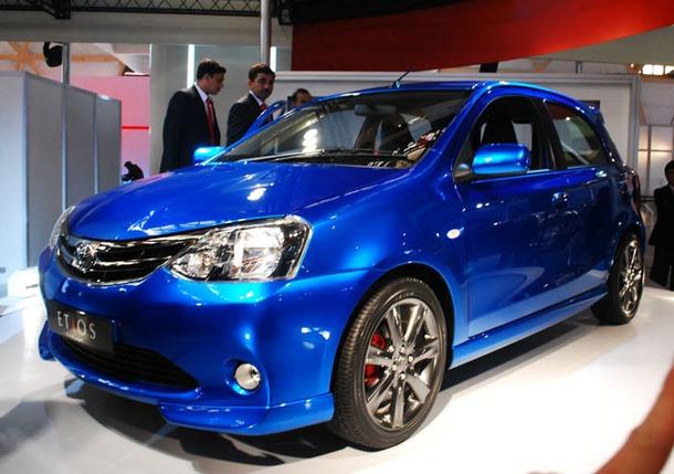 2011-Toyota-Etios-Liva-08