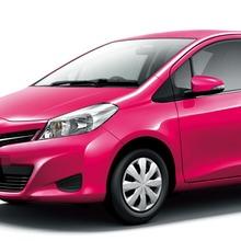 2011-Toyota-Vitz-09