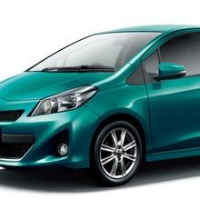 2011-Toyota-Vitz-12