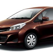 2011-Toyota-Vitz-13