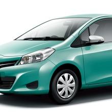 2011-Toyota-Vitz-16