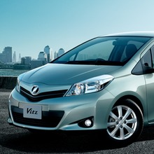2011-Toyota-Vitz-19