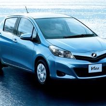 2011-Toyota-Vitz-21