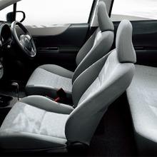 2011-Toyota-Vitz-25