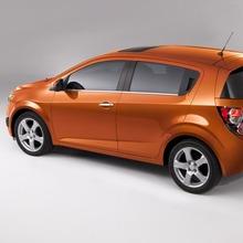 2012-Chevrolet-Sonic-01