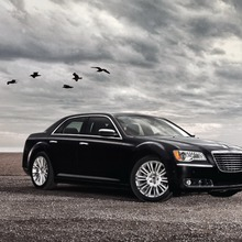2012-Chrysler-300-36