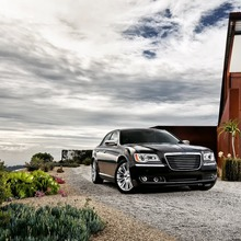 2012-Chrysler-300-40