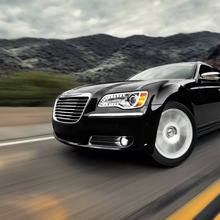 2012-Chrysler-300-41