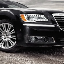 2012-Chrysler-300-45