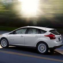 2012-Ford-Focus-Electric-54