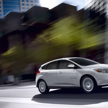 2012-Ford-Focus-Electric-55