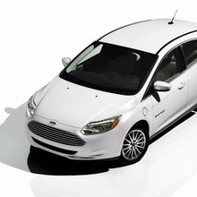 2012-Ford-Focus-Electric-63
