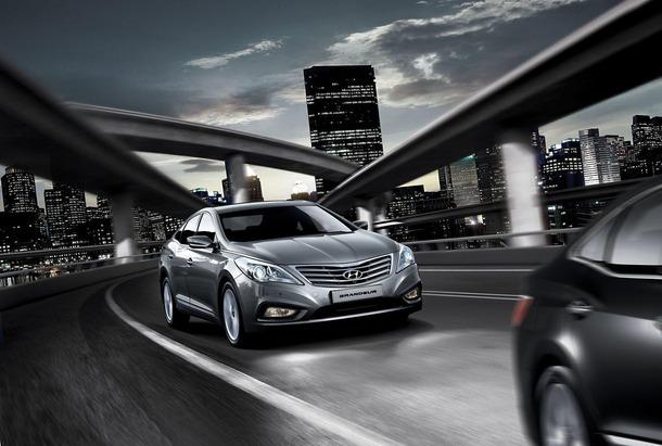 2012-Hyundai-Grandeur-Korea-04