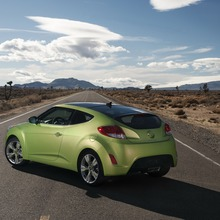 2012-Hyundai-Veloster-Official-20