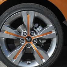 2012-Hyundai-Veloster-Official-23